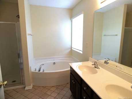 8129 Weeping Fig Lane - Photo 10