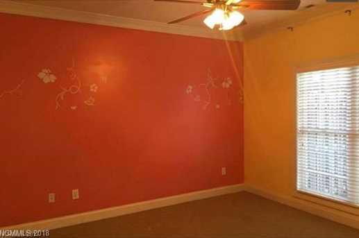 811 West Pointe Drive - Photo 11