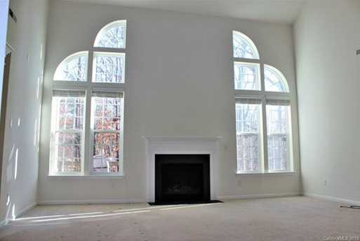 7818 Wiltshire Ridge Road - Photo 9