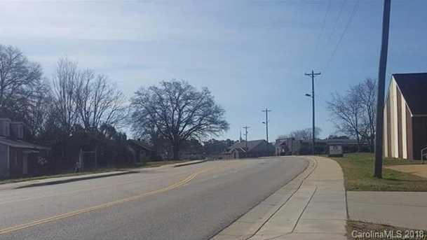 1122 Mount Gallant Road - Photo 11
