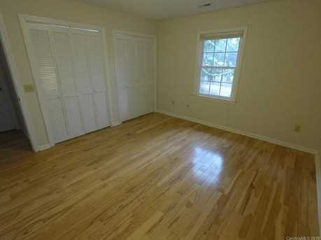 1739 Haywood Manor Road #10D - Photo 7