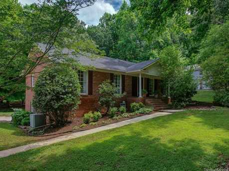 4900 Golfview Ct - Photo 1