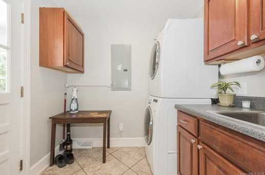 401 Roselawn Place - Photo 21