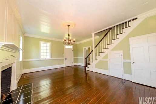 2466 Thornfield Dr - Photo 5