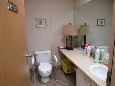 410 University Parkway Suite 1400 - Photo 11