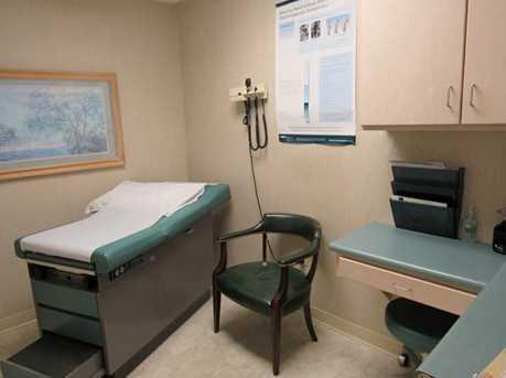 410 University Parkway Suite 1400 - Photo 13