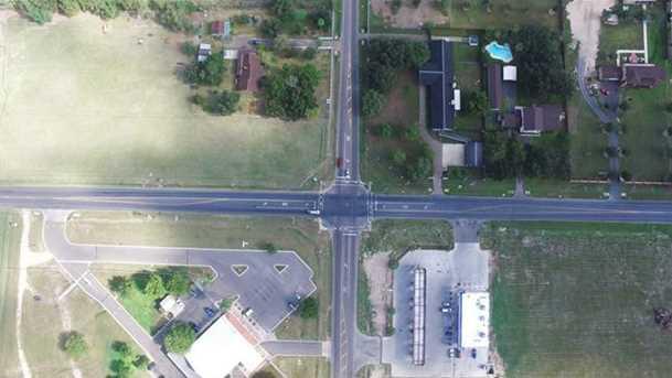 2401 E 5 Mile Rd - Photo 3