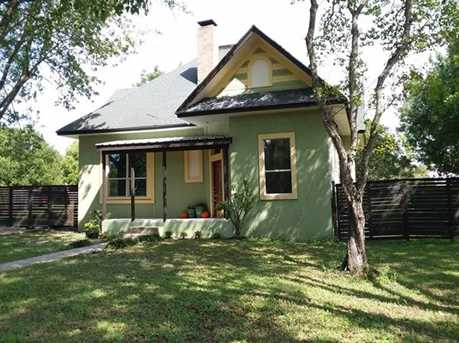 1002  Red River St - Photo 12