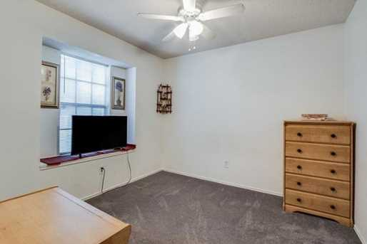 1010 Cresswell Dr - Photo 17