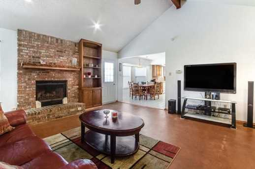 1010 Cresswell Dr - Photo 5