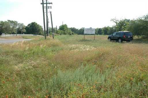 1809 State Highway 159 - Photo 3