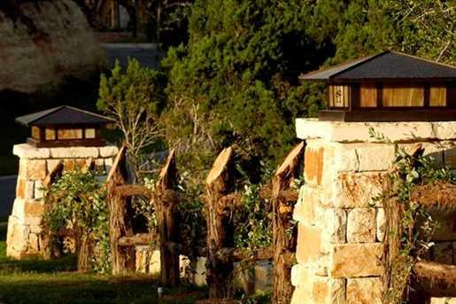 7202  Flagship Park Dr - Photo 15