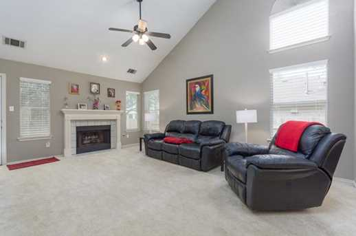 2304  Macaw Dr - Photo 9