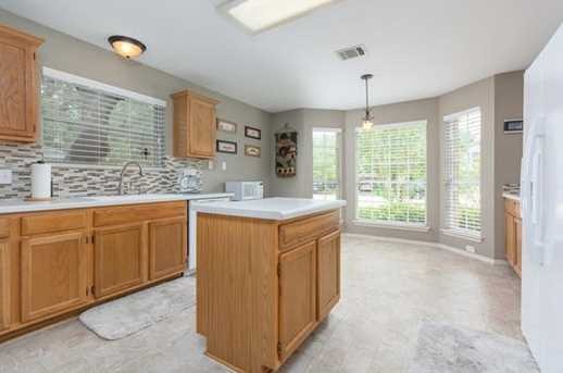 2304  Macaw Dr - Photo 5