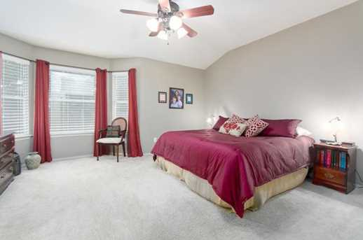 2304  Macaw Dr - Photo 11