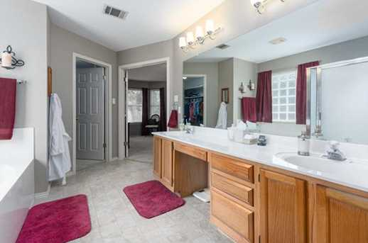 2304  Macaw Dr - Photo 13