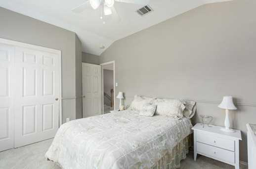 2304  Macaw Dr - Photo 17