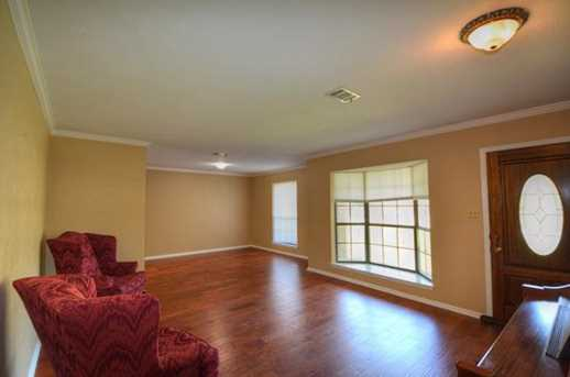 611  Meadowbrook Dr - Photo 11