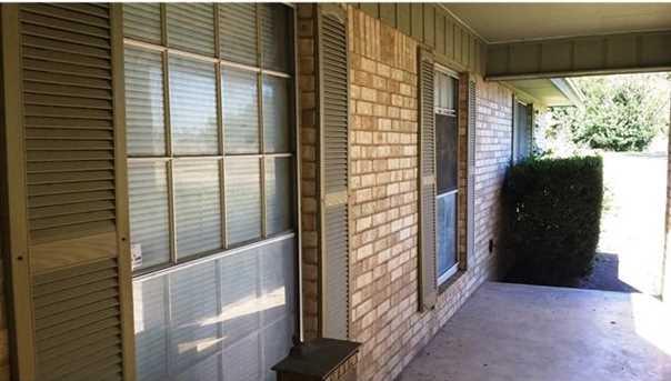 1102 N Austin Ave - Photo 21