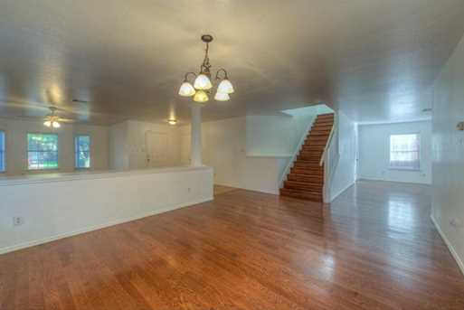 11404  Blairview Ln - Photo 9