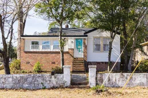 2658 Woodlawn Avenue - Photo 1