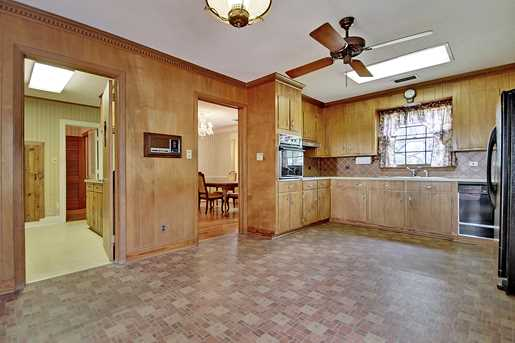 119 E Edgewater Drive - Photo 7