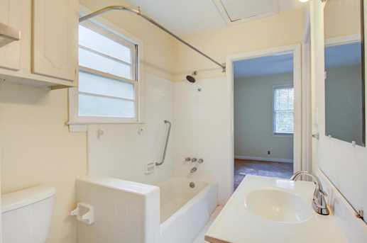2064 Medway Road - Photo 17