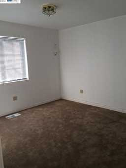 1226 92nd Ave - Photo 7