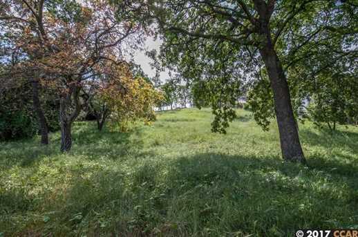 1032 Millbrook Ct - Photo 5