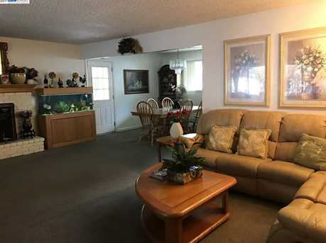 1712 Geary Rd - Photo 3