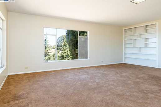 24694 Fairview Ave - Photo 7