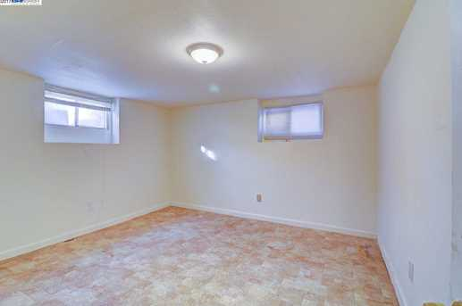 1301 60th Ave - Photo 23
