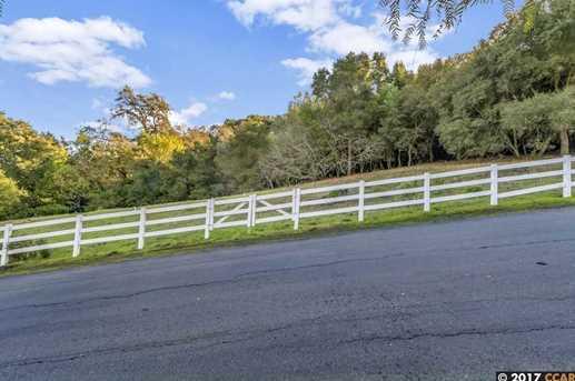 605 Highland Drive - Photo 11