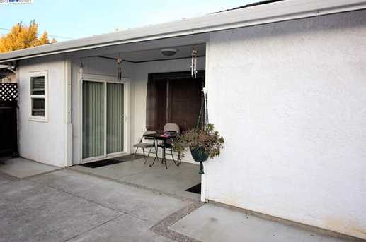 2859 Greenview Dr - Photo 3
