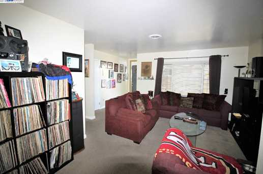 2859 Greenview Dr - Photo 7