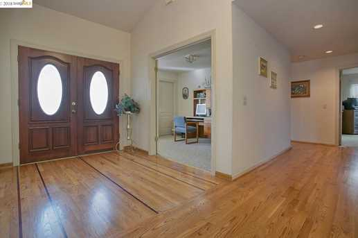 5490 Edgeview Dr - Photo 5