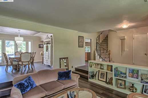 3059 Forest Hills Dr - Photo 9