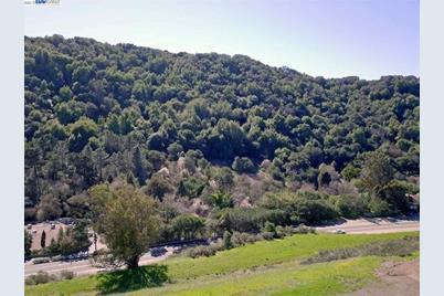 6037 E Castro Valley Blvd - Photo 1