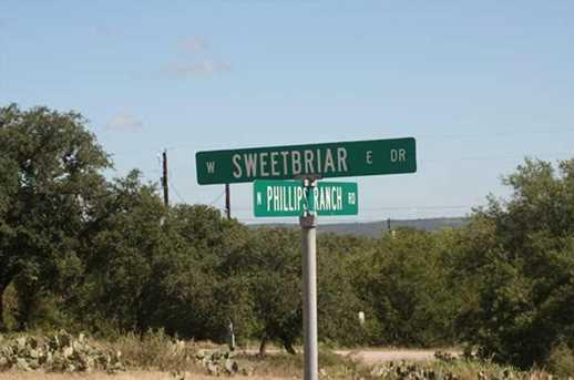 452/453 Sweetbriar - Photo 1