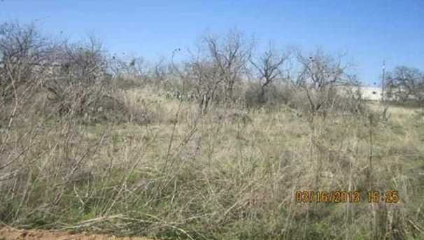 1030,31,32 Dilley - Photo 2