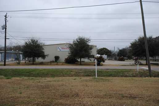 706 Cedar Bayou Road Road - Photo 11