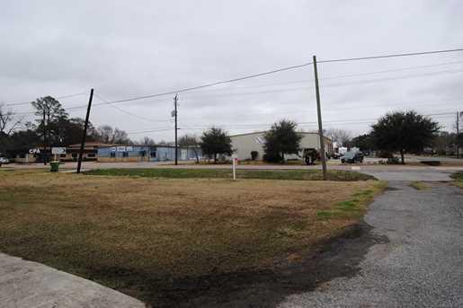 706 Cedar Bayou Road Road - Photo 9