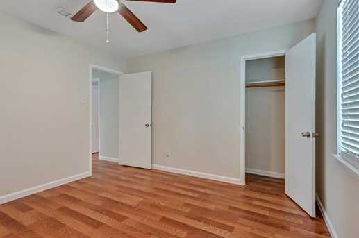 8914 Valley Hollow Drive - Photo 15