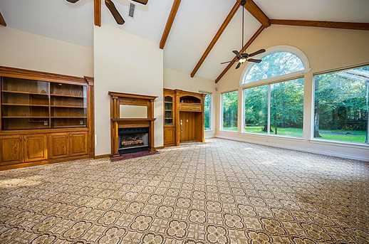 10900 Lake Forest Drive - Photo 11