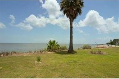 4221 Bayshore - Photo 1