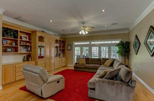 910 Winchester Bend - Photo 7