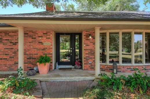 1821 Eastwood Dr - Photo 3
