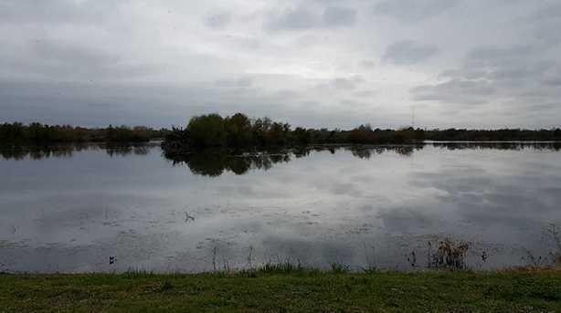 2164 Twin Lakes Boulevard - Photo 3