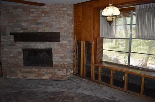 2708 Colonial - Photo 3
