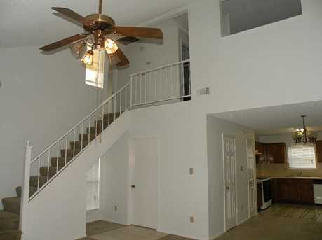 631 Northlawn Dr - Photo 3
